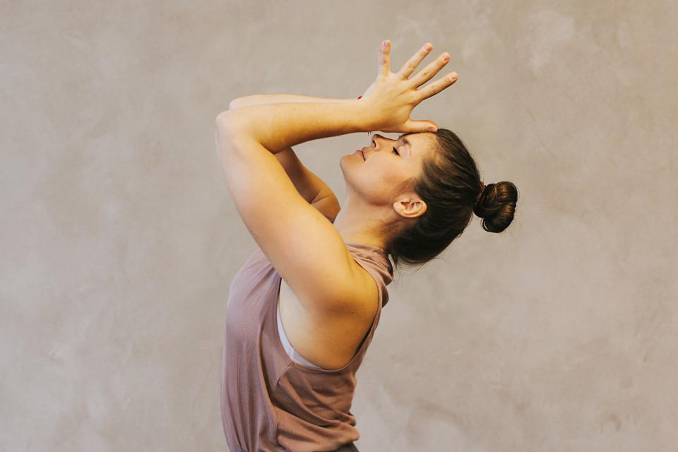 yl_Portraits_Yogalehrer_Retreats_2020.06